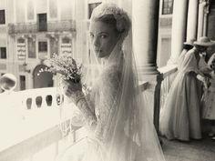 How Olivia de Havilland Introduced Grace Kelly and Prince Rainier of Monaco