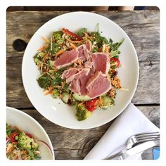 Dreaming of last nights tuna and quinoa salad, so delicious and easy to make! I'll pop up the recipe in my newsletter next week so you can enjoy it too. Make sure you are signed up via the website www.madeleineshaw.com enjoy the sunshine