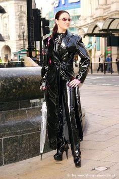 70s Outfits, Sexy Outfits, Fashion Outfits, Vinyl Raincoat, Pvc Raincoat, Pvc Catsuit, 70s Fashion, Womens Fashion, Vinyl Clothing