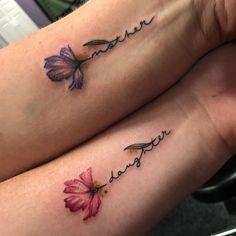 30 Mutter-Tochter-Tätowierungen, die dein Herz schmelzen - Tattoosideen 30 mother-daughter tattoos that melt your heart A tattoo that evokes the love between mother and daughter is always a good idea, Mommy Daughter Tattoos, Tattoos For Daughters, Mother And Daughter Tatoos, Tattoos For Sisters, Matching Mom Daughter Tattoos, Cute Sister Tattoos, Cute Couple Tattoos, Mother Tattoos, Mom Tattoos