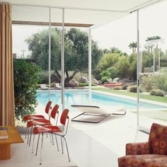 The Kaufmann House in Palm Springs, California. Completed between 1946-1947. Richard Neutra-architect.