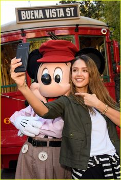Jessica Alba, Cash Warren, & Their Daughters Spend the Day With Mickey Mouse