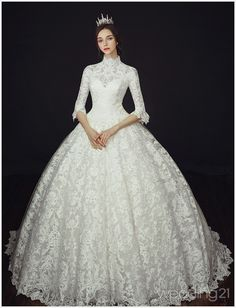 Wedding Dresses Guest This vintage-inspired wedding gown from Clara Wedding featuring delicate lace detailing is shouting regal romance! Princess Wedding Dresses, Best Wedding Dresses, Bridal Dresses, Dress Wedding, Dresses Short, Ball Dresses, Ball Gowns, Beautiful Wedding Gowns, Beautiful Dresses