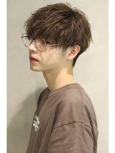 Korean Men Hairstyle, Korean Short Hair, Hairstyles Haircuts, Haircuts For Men, Tomboy Hairstyles, Shot Hair Styles, Curly Hair Styles, Short Hair Tomboy, Shaved Hair Designs