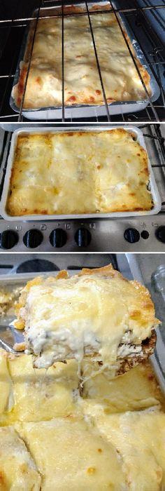 Los crepes de pollo gratinados aguardan bien rellenos. ¡Pégales un gran bocado!   #crepes #pollo #gratinados  #patate #papas #batata #frita #receta #recipe #casero #torta #tartas #pastel #nestlecocina #bizcocho #bizcochuelo #tasty #cocina #chocolate #pan #panes En un bol, mezcla bien todos los ingredientes para la masa de los crepes, cocina los crepes por amb...