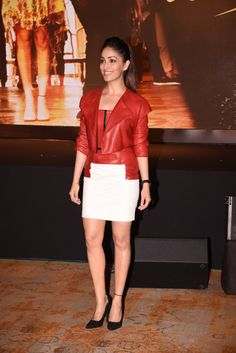 """Yami Gautam Showcasing Her Toned Sexy Legs At Film """"Kaabil"""" Music Launch Event in Mumbai. CLICK HERE TO SEE MORE PHOTOS FROM THIS EVENT"""