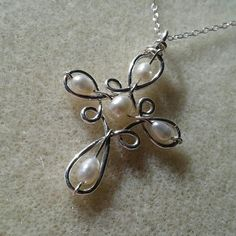 Silver Or Gold, Freshwater Pearl, Celtic / Elven Cross, Pendant Necklace - Products - Jewelry Wire Jewelry Designs, Handmade Wire Jewelry, Diy Crafts Jewelry, Jewelry Patterns, Beaded Jewelry, Wire Jewelry Making, Wire Wrapped Jewelry, Do It Yourself Jewelry, Wire Wrapping Crystals