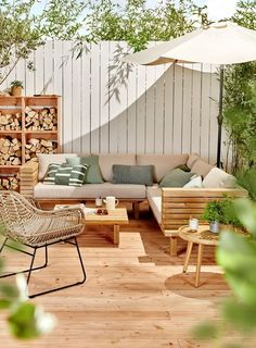 Outdoor Garden Furniture - Outdoor Living & Home Furnishing Diy Garden Furniture, Outdoor Furniture Sets, Outdoor Decor, Furniture Ideas, Barbie Furniture, Antique Furniture, House Furniture, Outdoor Patios, Outdoor Rooms