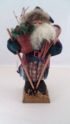 MWT Santa's Workshop Handcrafted Ski Snowshoe Kris Kringle Santa Claus w/ Basket