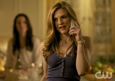 """THE VAMPIRE DIARIES """"The Departed"""" Pictured: Sara Canning as Jenna. Blake Tyers/The CW © 2012 The CW Network, LLC. All rights reserved."""