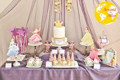 Una mesa de dulces para una elegante fiesta de princesas / A sweet table for an elegant princess party
