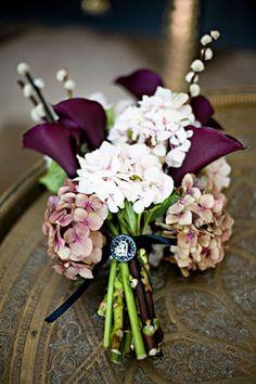 Ana Rosa, via:http://www.bellafififlowers.co.uk/weddings-gall...