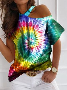 Off Shoulder T Shirt, Fringe Shirt, Tie Dye Colors, Rainbow Fashion, Tie And Dye, Tie Dye T Shirts, Cut Shirts, Tie Dye Patterns, Character Outfits