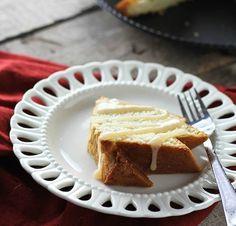 Vanilla Bean Salted Caramel Cake - FoodBabbles.com #caramel #cake