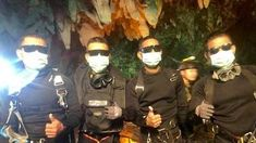 A newly released photo shows the heroic Thai Navy SEALs who spent a week with the boys trapped inside a flooded cave as the kids waited to be rescued. Soccer Players, Football Team, Soccer Teams, Blood Infection, Soccer Coaching, Soccer Boys, Northern Thailand, Navy Seals, News India