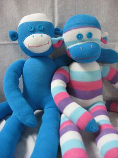 Craft with Confidence: Sock Monkey Tutorial Sock Crafts, Cute Crafts, Crafts To Do, Sewing Crafts, Sewing Projects, Diy Crafts, Diy Projects, Purple Socks, Sock Monster