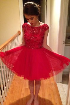 A-line homecoming dresses, beaded homecoming dresses, red homecoming dresses, cap sleeves homecoming dresses, short prom dresses, party gowns, little red dresses#SIMIBridal #homecomingdresses
