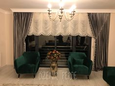 Living Room Decor Cozy, Living Room Modern, Living Rooms, First Apartment, Home And Deco, Decoration, Valance Curtains, Air Jordans, Interior Design