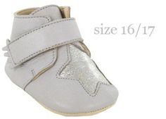chaussons Kiny patin 'étoile' plume/argent p16-23 EZPZ - easy peasy | shop pour enfants Le Petit Zèbre