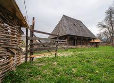 adelaparvu.com despre case din lemn maramuresene, case restaurate Maramures, Breb, Foto Dragos Asaftei (7) Home Fashion, Old Houses, Romania, House Design, Traditional, House Styles, Inspiration, Interior, Beautiful