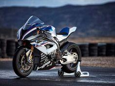 Carbon fibre cornucopia: BMW HP4 RACE superbike – Price £68,000 (INR 58 lakh)