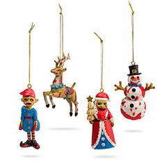 Christmas Zombie Ornament Set - Every year you hang up the some old Christmas tree ornaments without much change. If you are tried of the normal Christmas tree decorations this zombie Chr