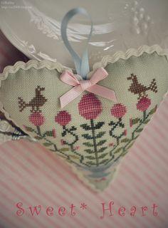 Sweet Heart  Designer / Blackbird Designs (Barb Adams)  Stitch Count / 75W * 78H  Fabric / 32ct Linen Wichelt - Waterlily  Thread / Weeks Dye Works