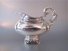 Amsterdamse zilveren gedreven melkkan | Serviezen, theepotten en theelichten | Collectie | Antiek Zilver