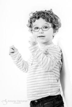 Portrait enfant - bébé en studio. Antoine Demoinet photographie à Paris ou Bordeaux