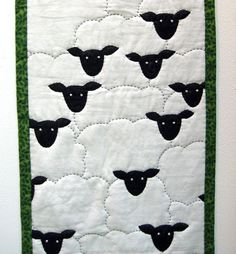 I quite like this fabulous heirloom quilts Quilt Baby, Colchas Quilt, Baby Quilt Patterns, Applique Quilts, Quilt Blocks, Patchwork Quilting, Quilting Projects, Quilting Designs, Sewing Projects