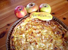 Tarte à la rhubarbe, aux pommes et aux amandes
