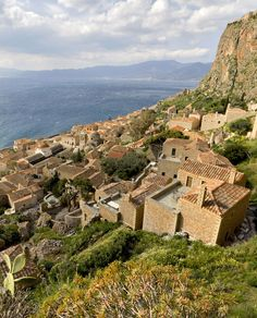 View from the #castle on the Rock of #Monemvasia onto the mainland www.mediteranique.com/hotels-greece/monemvasia/