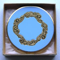Vintage Zell Fifth Avenue Woman's Powder Compact, elegant design.
