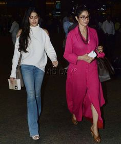 Sridevi with daughter Jhanvi Kapoor at Mumbai airport. Western Outfits, Indian Outfits, Bollywood Fashion, Bollywood Stars, Girl Outfits, Fashion Outfits, Indian Celebrities, Diva Fashion, Indian Designer Wear