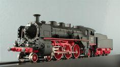 Marklin  3093 4-6-2 Engine & Tender