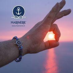 Ragione e passione sono timone e vela della nostra anima navigante. Per un'estate fantastica indossa anche tu uno stile intramontabile. Visita il sito www.marinerie.it e scopri tutte le novità e le tendenze dell'estate 2017 #marinèrie #stilemarinèrie #stilenavy #braccialetimone