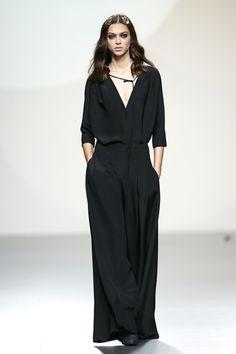 Teresa Helbig Primavera Verano 2014 #MBFWM Minimal Outfit, Minimal Fashion, Moda Minimal, Modelos Fashion, Look Cool, Dress Me Up, Her Style, Chic Outfits, Temperley