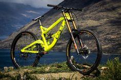 gee-atherton-gt-fury-2015-full-bike