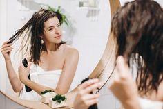 Diy Hair Care, Hair Care Tips, Diy Hair Detangler, Hair Serum, Split Ends, Shiny Hair, Bad Hair, Damaged Hair, Hair Oil