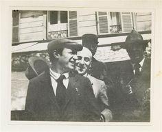 * Picasso Max Jacob boulevard Montparnasse près du métro Vavin devant le café La Rotonde Date 12 Août 1916