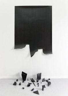 likeafieldmouse:  Diogo Pimentao- Polymonochromo (2011) - paper and graphite