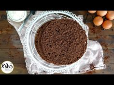 Kikis Baking School: Chocolate sponge cake - here's how you nail it / Sponge Cake Recipe Tiramisu, Ethnic Recipes, Youtube, Videos, Bakken, Brot, Birthday Cake Toppers, Wedding Cakes, Embellishments