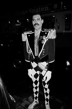freddie mercury outfit - Google Search Queen Freddie Mercury, Freddie Mercury Birthday, Mr Fahrenheit, 39th Birthday, King Of Queens, Roger Taylor, Queen News, Queen Photos, We Will Rock You
