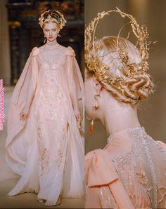 Chinese fashion show Couture Fashion, Runway Fashion, High Fashion, Fashion Show, Fashion Outfits, Fashion Design, Fashion Details, Paris Fashion, Fashion Fashion