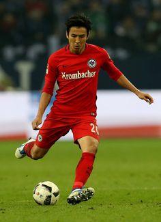 Makoto Hasebe of Frankfurt runs with the ball during the Bundesliga match between FC Schalke 04 and Eintracht Frankfurt at Veltins-Arena on January 27, 2017 in Gelsenkirchen, Germany.