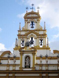 Espadaña de la Catedral de La Macarena - España