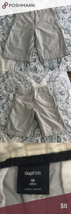 Boys GAPKIDS Grey Shorts Boys GAPKIDS Light Gray Shorts Size 10 Slim. Looks great with a polo and Sperrys. Like new condition! GAP Bottoms Shorts