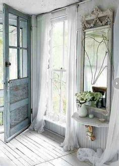 Shabby chic, everyone loves this one! #Countrychiccottage