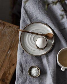 Morning vibes...äntligen lördag! #petralundslera #drejning #design #handgjordkeramik #tableware #pottersofinstagram #ceramiclove #functionalpottery #myceramiclife #wabisabi  #scandinavianhome #interiorinspo #thatauthenticfeeling #skandinaviskahem #inredningsdesign #design #råassiette#dashäggkopp #ägg#frukost#frulle#coffeetime  #drejadtallrik #mattallrik #keramiktallrik #ceramicplates #dukadebordet #customceramics #customplates #chefsceramics #platesforchefs Wabi Sabi, Petra, Ceramics, Handmade, Design, Ceramica, Pottery, Hand Made