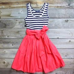A dress to wear to the beach for a good sunny day :)